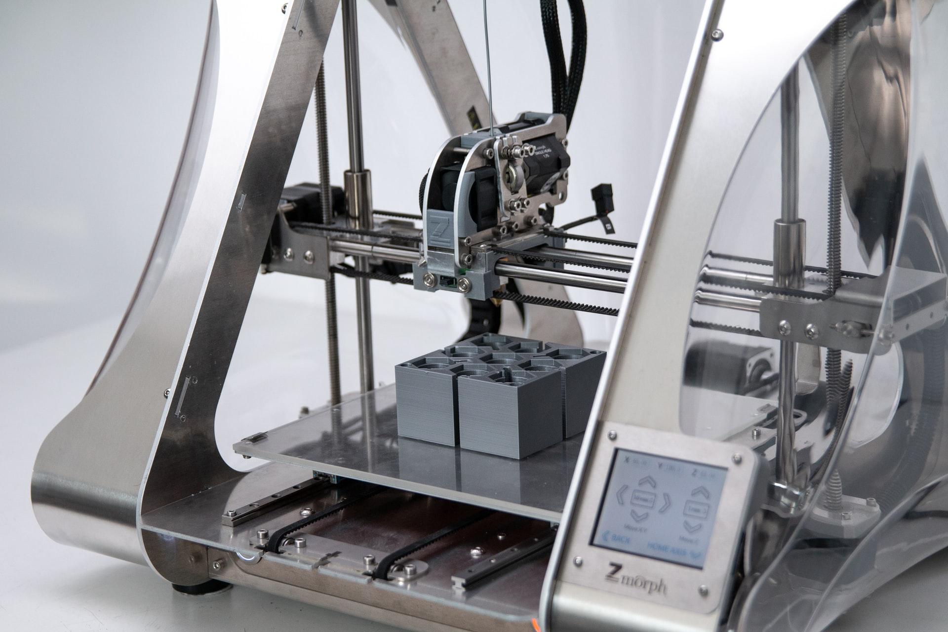 Rodzaje i budowa maszyn CNC